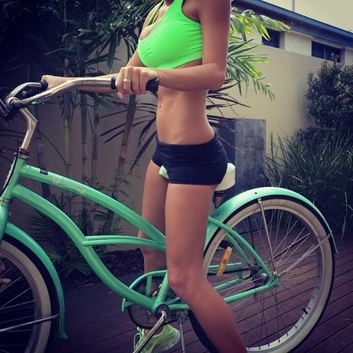 1033 fitness girls
