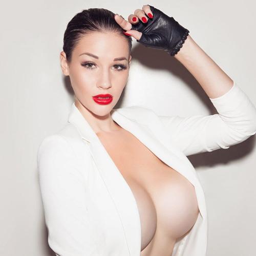 1115 big boobs girls