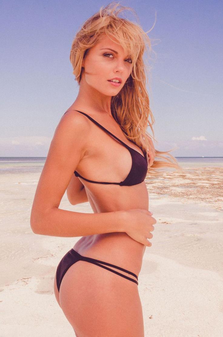 1135 bikini girls