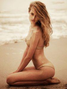 1193 bikini girls