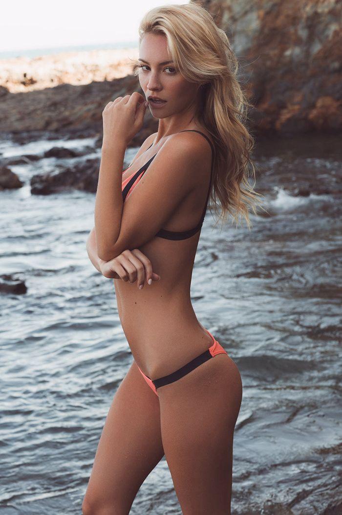 1348 bikini girls