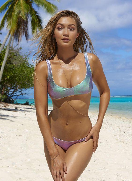1588 bikini girls