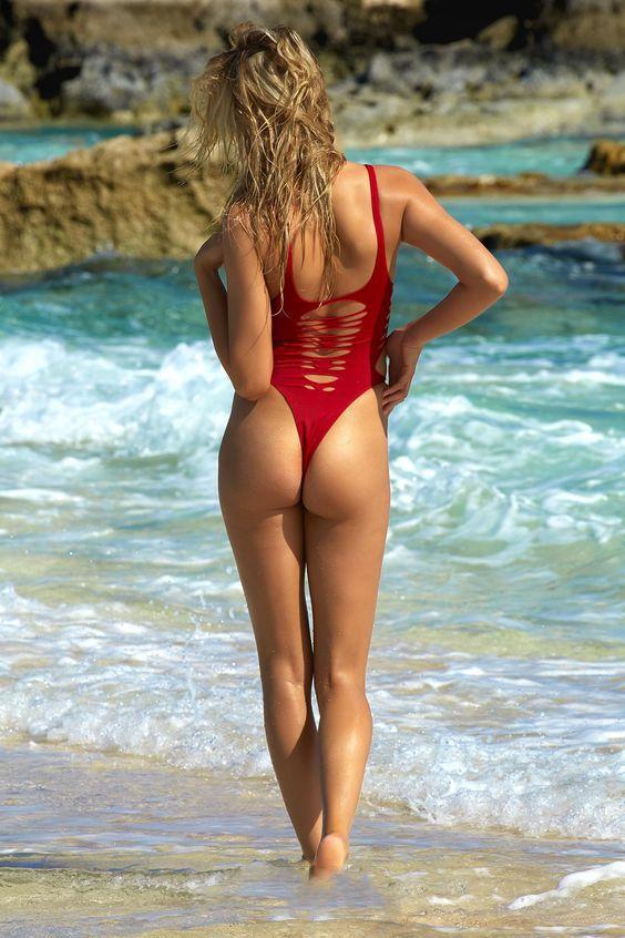 1625 bikini girls