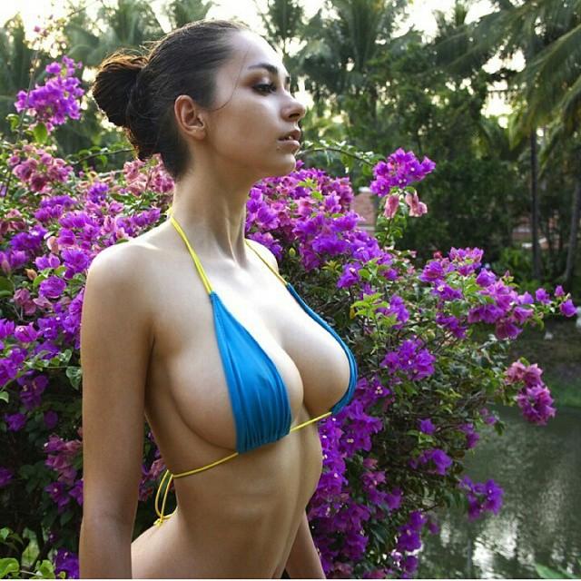 1718 big boobs girls