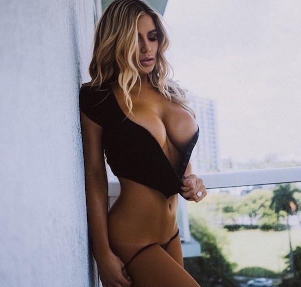 1840 big boobs girls